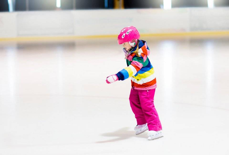 Как научить ребёнка кататься на коньках