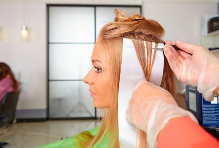 Можно ли красить волосы при беременности. опасно это или нет?
