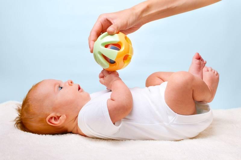 Уход за новорожденным в первый месяц — пошагово