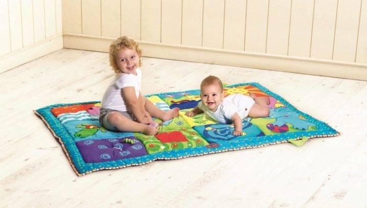 Как выбрать из топ ➄ производителей детский развивающий коврик, альтернатива – сделать своими руками