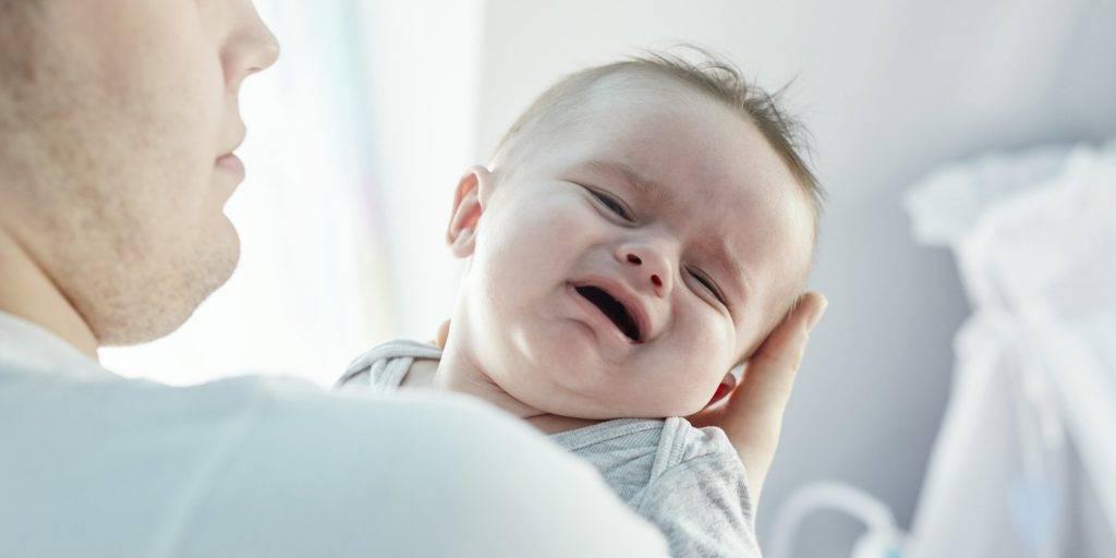 Ребенок мотает головой из стороны в сторону - возрастное явление или патология?