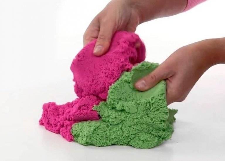Песок, который не рассыпается, – kinetic sand и его аналоги для детей