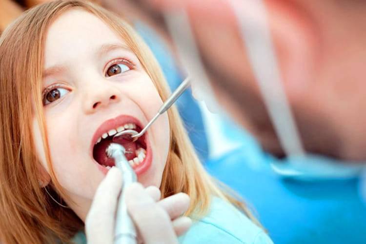 Лечение зубов во сне с седацией
