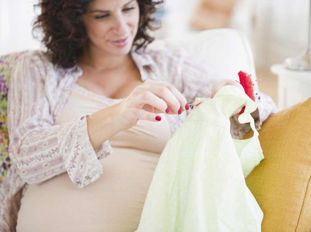 Можно ли заранее покупать приданное для малыша? откуда появилось суеверие