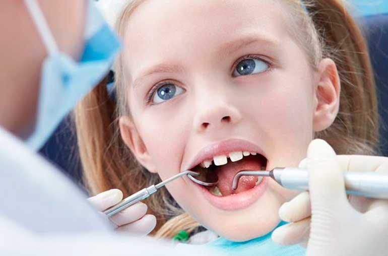 Как удалить молочный зуб в домашних условиях - удаление молочных зубов