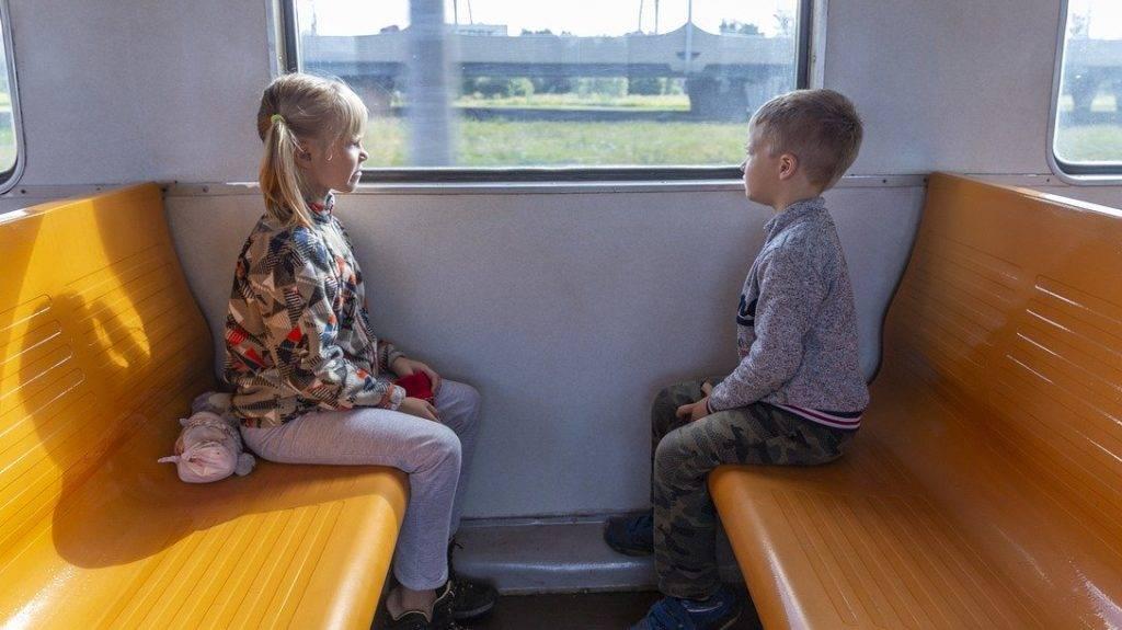 Со скольки лет можно ездить на поезде без сопровождения взрослых в 2021 году?