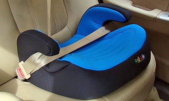 Бустеры для детей в машину:правила выбора и особенности эксплуатации