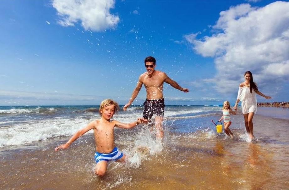 20 мест для отдыха с детьми за границей