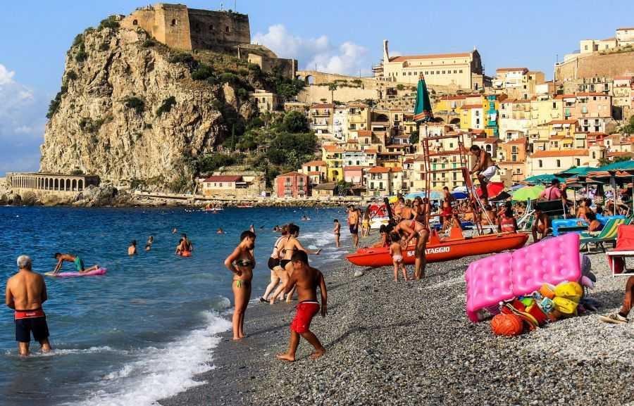Где лучше отдыхать в италии на море?