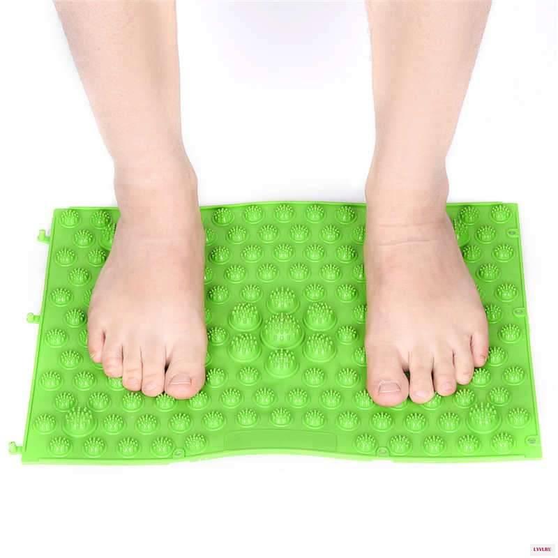 Коврик массажный для ног: принцип действия и основные виды