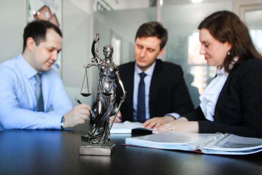 Услуги и помощь адвоката по семейным делам - консультация семейного юриста в москве