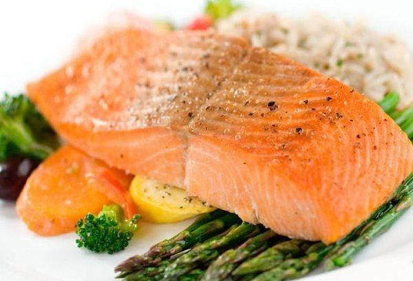 Можно ли есть рыбу во время грудного вскармливания