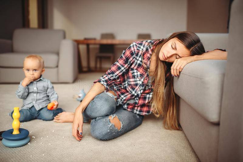 Я устала быть мамой: 5 советов как наладить жизнь с ребенком после года