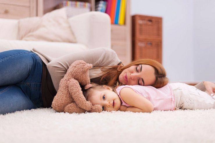Устала от ребенка. молодая мама и ''день сурка'' длиною в год. день жизни и заботы молодой мамы