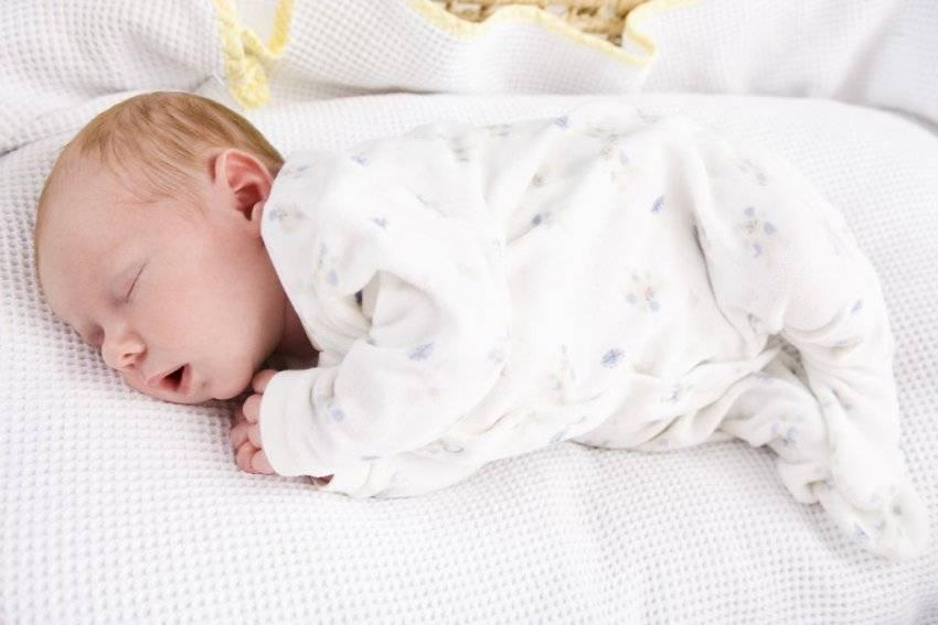 Новорожденный и грудничок не спит весь день: 6 признаков и 6 причин нарушения сна