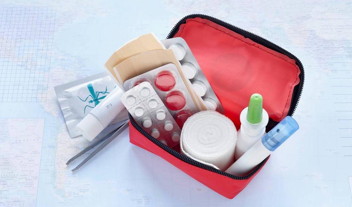 Аптечка путешественника с ребенком: что брать?