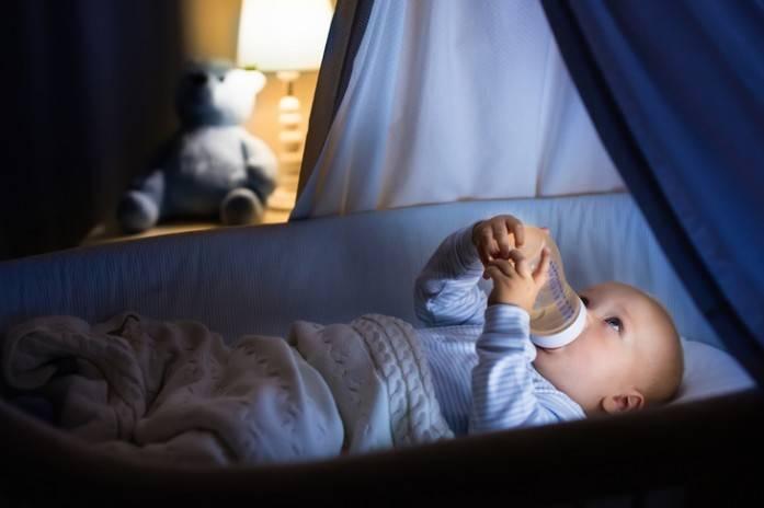 Ночь— для сна, а не еды: как отучить ребенка отночных кормлений?