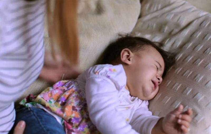 Ребенок плохо спит после массажа: разбираемся в причинах и устраняем их