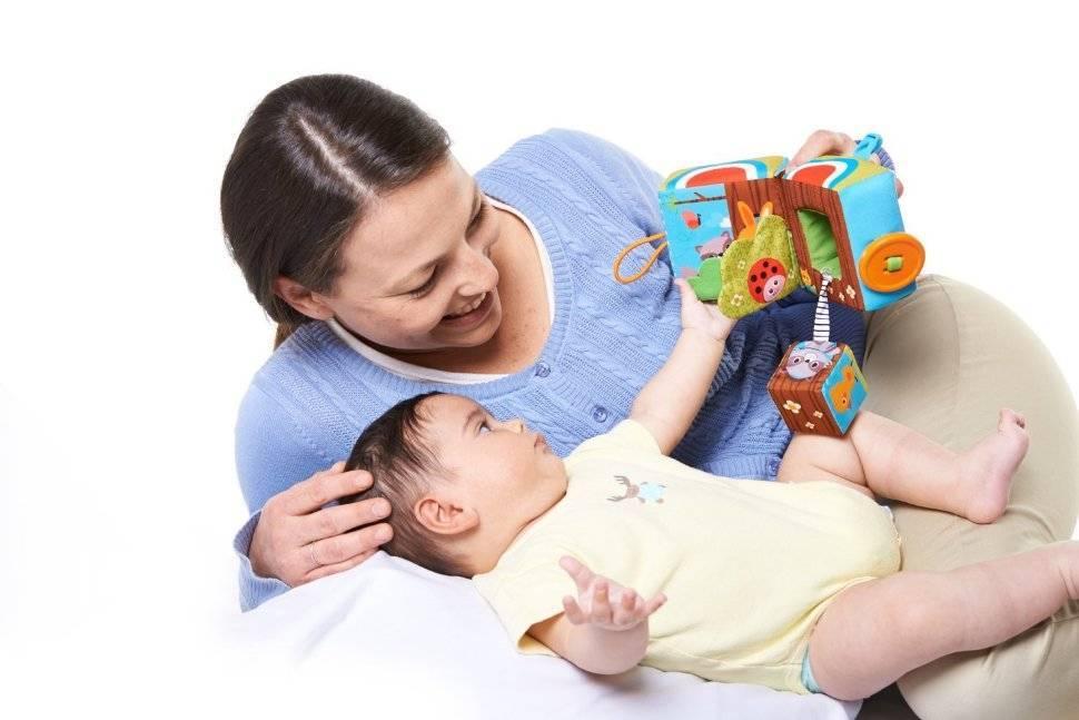 Что подарить ребенку на полгода?