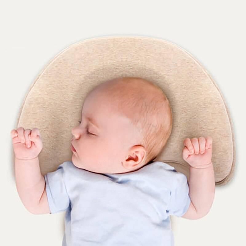 Использование ортопедической подушки для новорожденных детей при кривошее