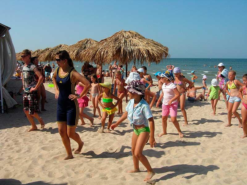 Отдых на азовском море в крыму с ребенком - лучшие места