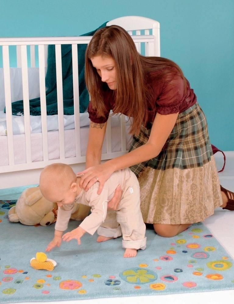 Во сколько дети начинают ходить самостоятельно: норма и отклонения, от чего зависят сроки
