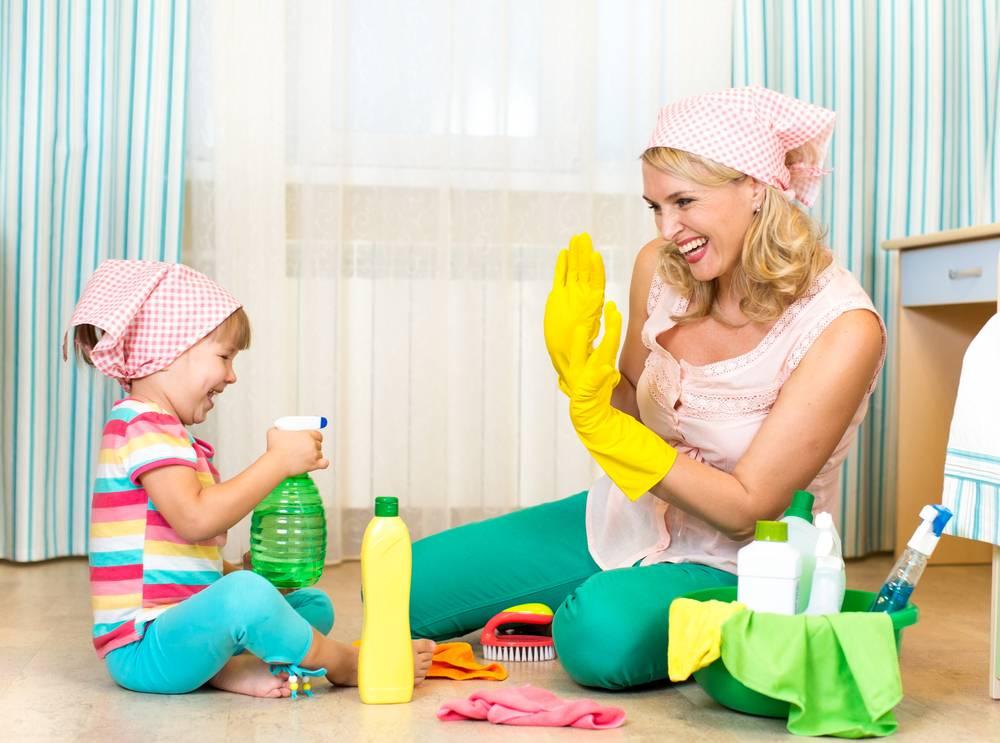 Первые дни с новорожденным: какая помощь нужна молодой маме. восстановление после родов