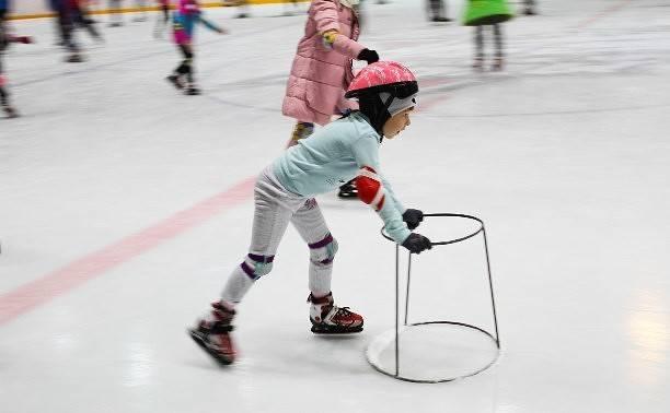 Как научить ребенка кататься на коньках: самые надежные методики