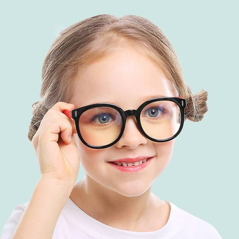 Модные очки для зрения, оправы очков 2021-2022: фото, тренды