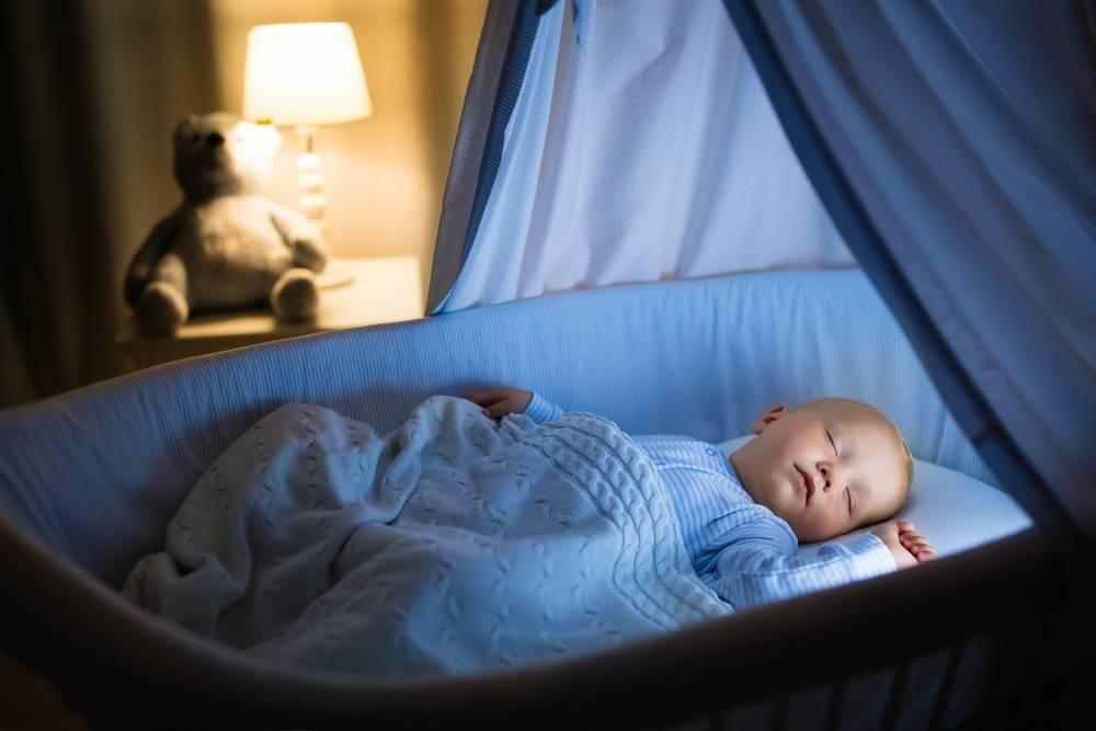 Как приучить ребёнка спать в своей кроватке