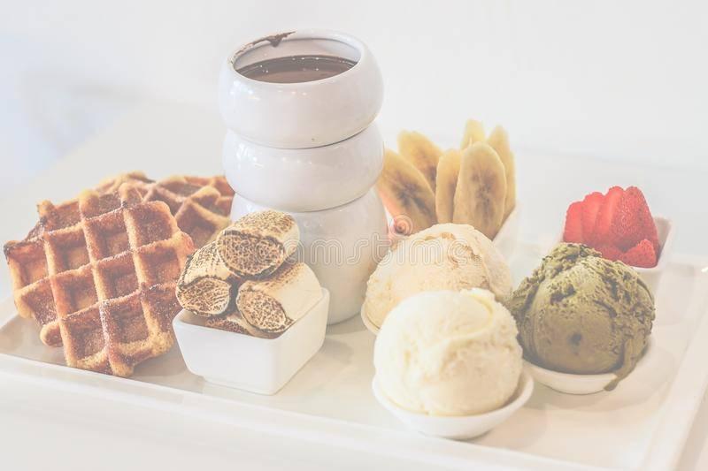 Что из сладкого можно при грудном вскармливании: пастила, мармелад, конфеты, торт