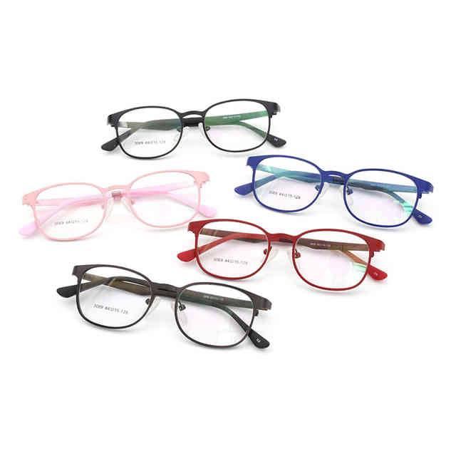 Для чего нужны очки с дырочками?