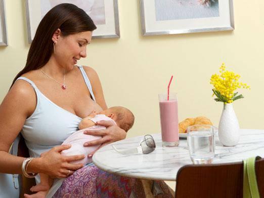 Можно ли кормящей маме ходить в баню и париться в сауне