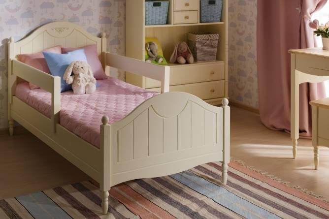 Детская кровать с ящиками и бортиком (36 фото): односпальная деревянная кровать с ящиками для хранения