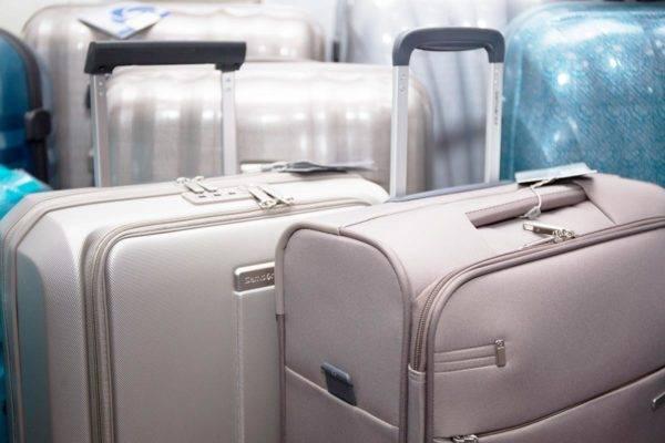 Коляска в самолет: правила провоза и условия хранения