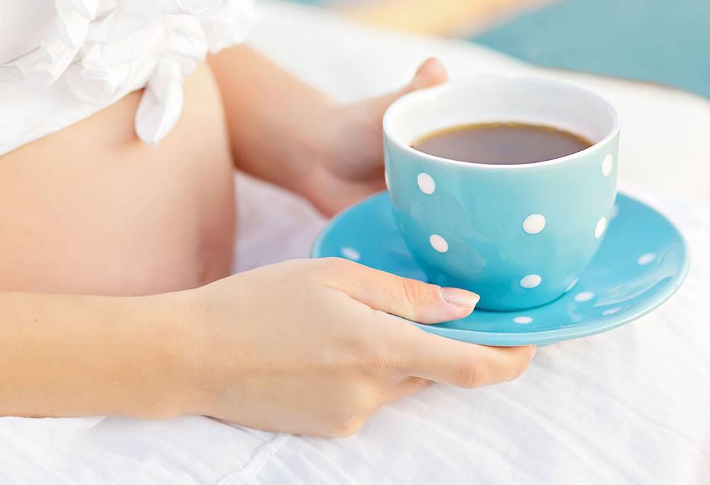 Чай с мелиссой при беременности, можно ли его пить беременным