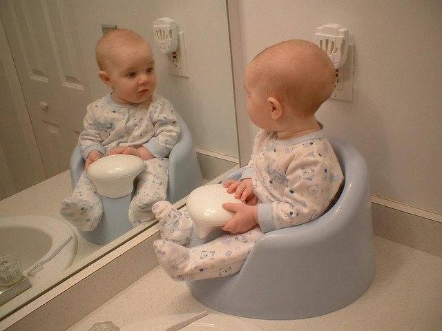 Ребенок мало пьет и мало мочится: причины обезвоживания грудничка