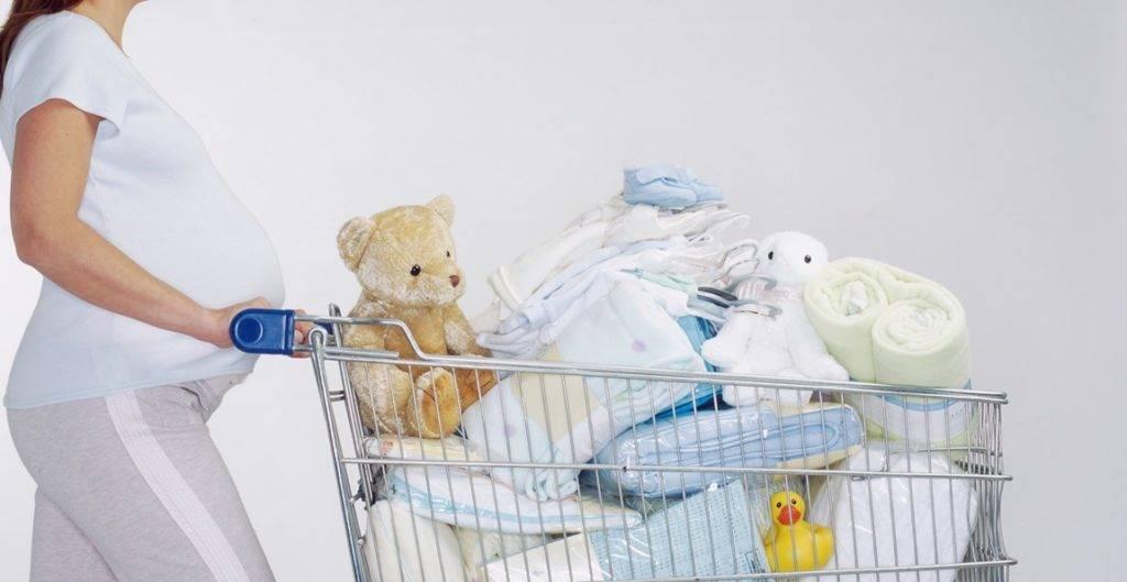 10 опасных вещей, которые многие мамы делают с новорожденными