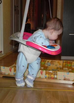 С какого возраста можно сажать ребенка в ходунки?