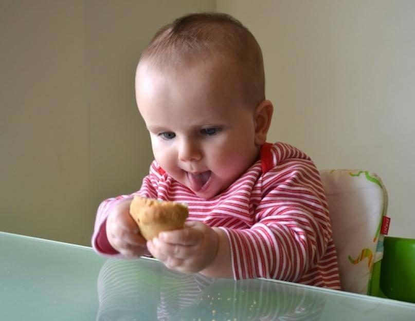 Когда ребенку можно давать хлеб?