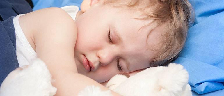 Ребенок потеет, когда засыпает: причины и методы решения проявлений потливости у детей перед сном, а также мнение известного доктора комаровского