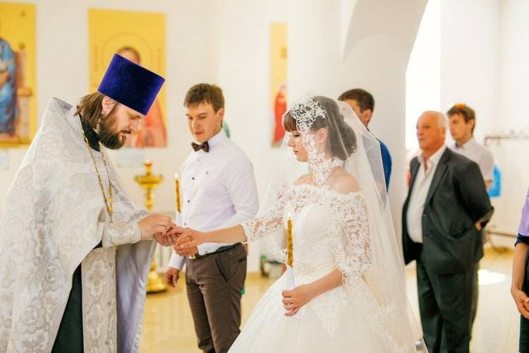 Можно ли повенчаться в церкви без регистрации в загсе, венчание