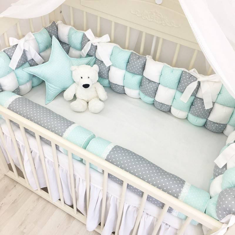 Как выбрать бортики для детской кроватки - обзор лучших моделей по тканям, наполнителю и стоимости