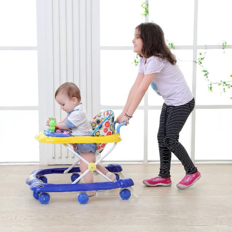 Польза и вред: нужны ли ходунки ребенку