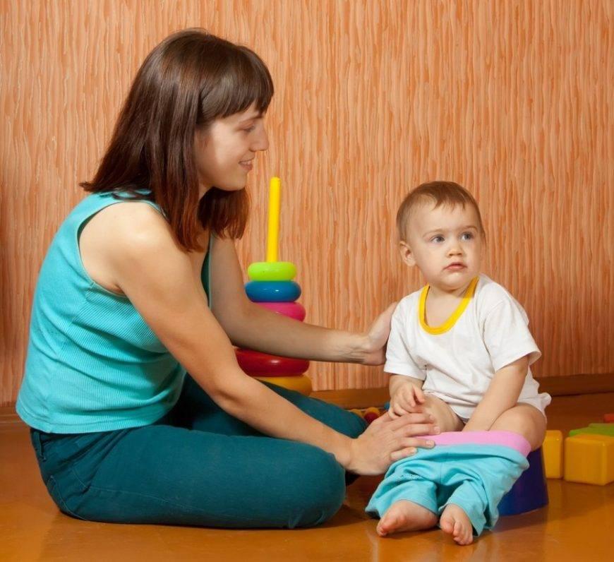 Ребенок боится горшка: что делать