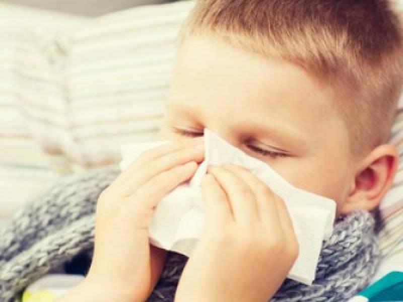 Симптомы и признаки простуды у грудных детей, особенности их лечения и профилактики