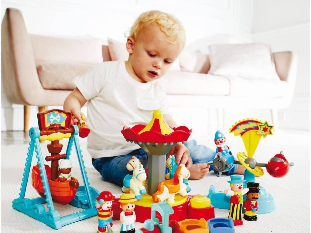 Что подарить девочке на 2 года на день рождения - идеи подарков, в том числе сделанных своими руками