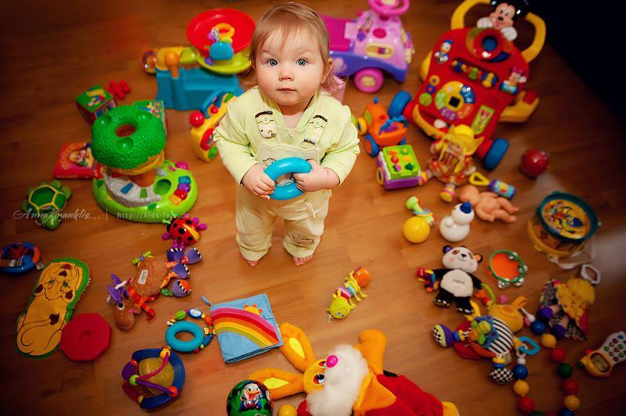 Что подарить ребенку на 2 года, чтобы приятно удивить малыша?