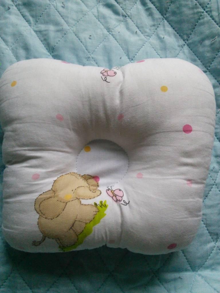 Ортопедическая подушка при кривошее грудничка – валик для новорожденного