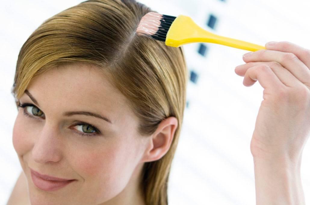 Покраска волос во время беременности: мнение врачей и суеверия